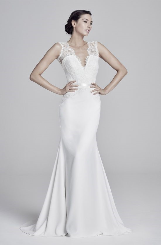 antionetta-lookbook-collection2019-weddingdressesuk-designerSuzanneNeville-550×839