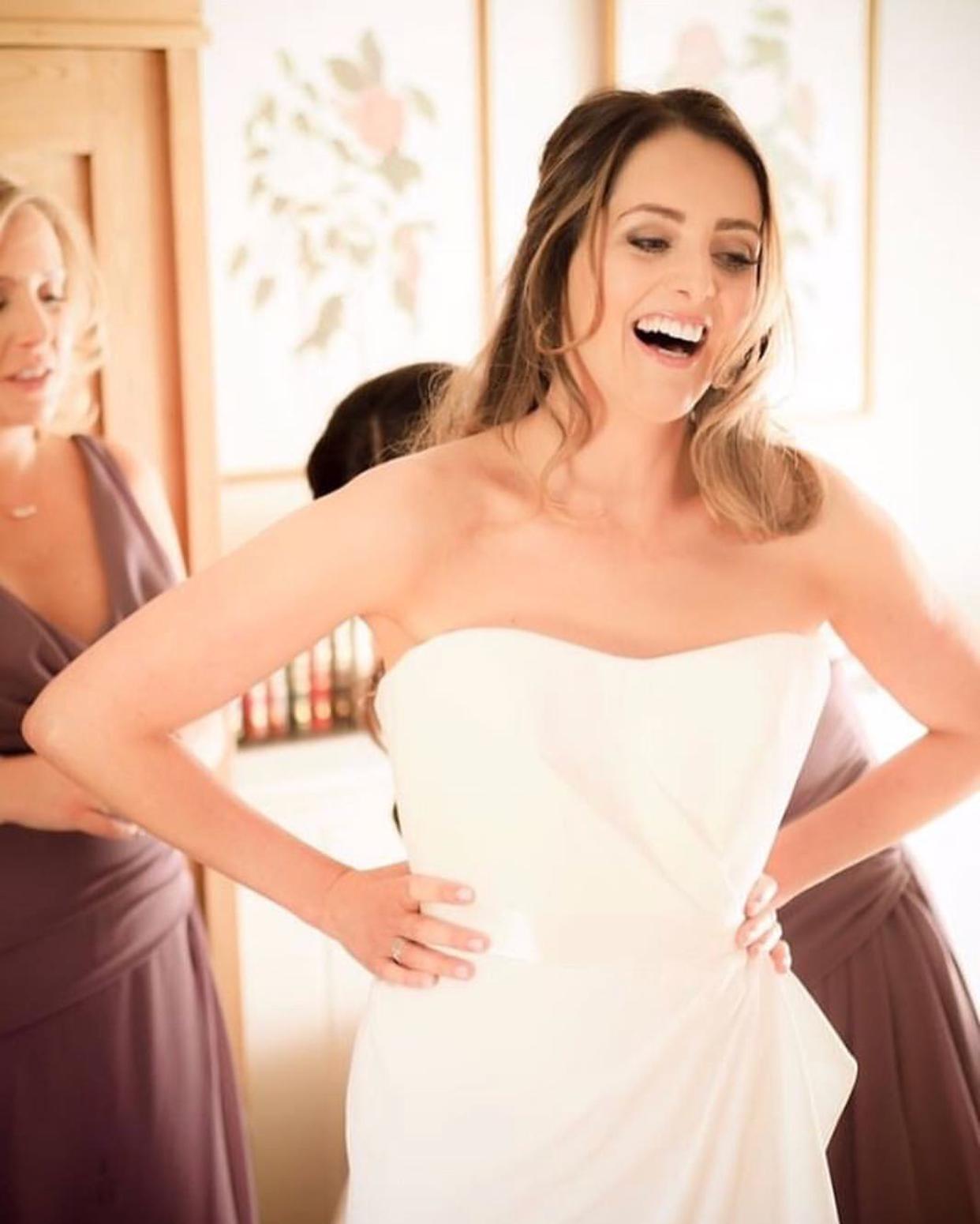 Real Brides Suzanne Neville: Laura In Her Suzanne Neville Fitzrovia Wedding Dress